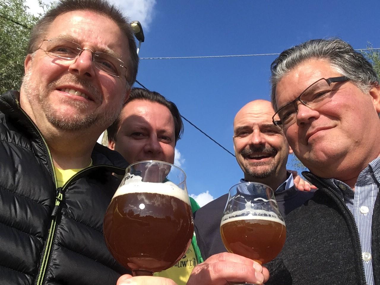 4 blije brouwers op de Dauwtrip in Belle 2016.