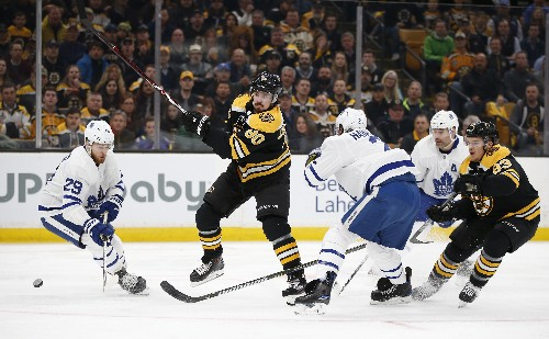 Bruins clinch series with 5-1 win over Maple Leafs