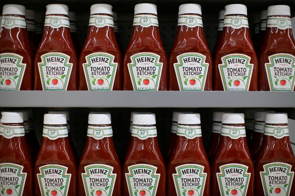 Kraft Heinz to increase marketing, sees supply chain savings of $2 billion by 2024