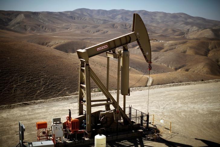 Petróleo sube por recortes de producción de la OPEP