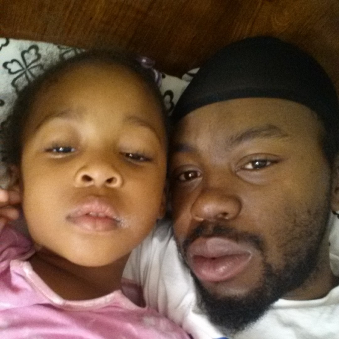 Our wake up pic...den I give her mornin kiss....LOL#WAKEUPPIC#ILUVMYCHILD#GOODEVENIN#WUTUPCUZZ