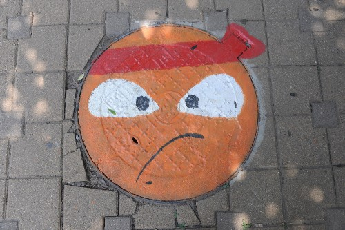 Manhole Cover Paintings in China: Pictures