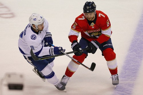 Hoffman's hat trick lifts Panthers over Lightning