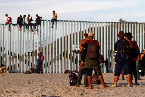 Crece tensión entre migrantes y residentes en frontera norte de México