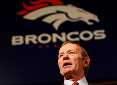 Thousands of Broncos fans pay tribute to Bowlen