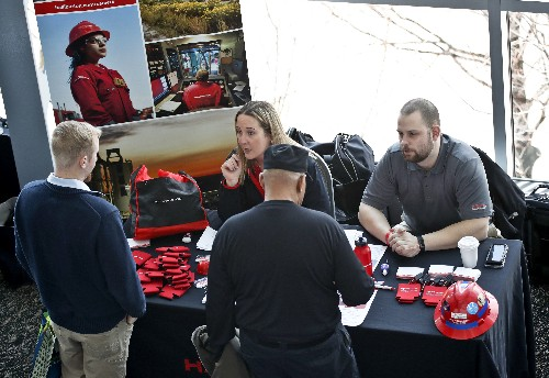 US job openings rise, outnumber the unemployed by 1 million