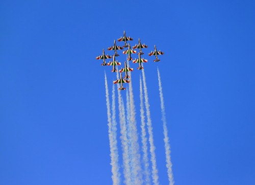 Opening Day at the Dubai Air Show: Pictures