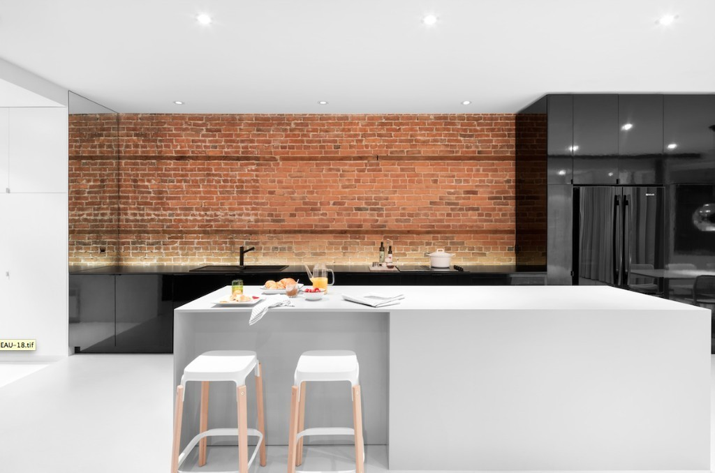 Articles about 5 minimal kitchens on Dwell.com