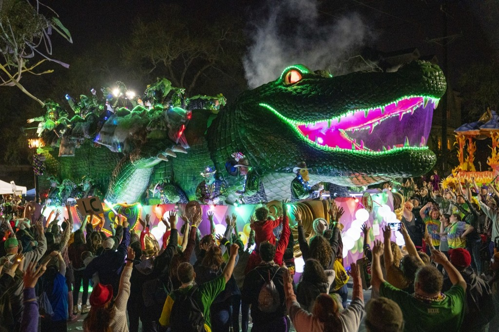 Scenes From Mardi Gras in New Orleans: Pictures