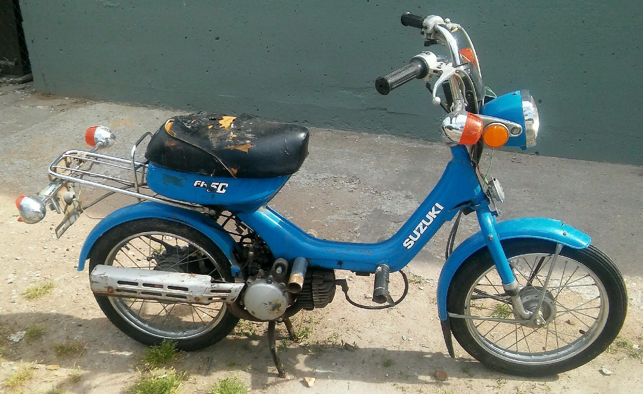 Vintage Suzuki 50cc motor scooter $175