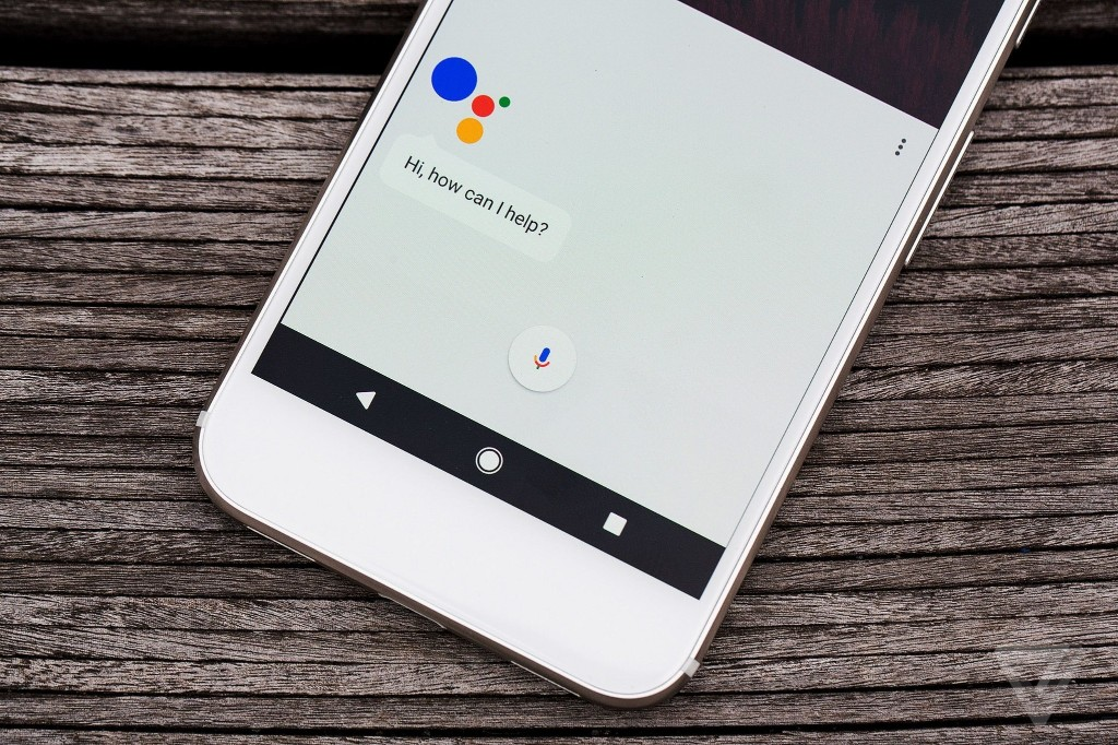 Mossberg: Google's first phone is first rate