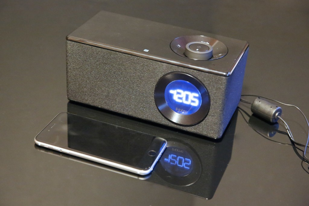 Review: iHome's iBN10 sheds the dock and alarms for a minimalist new four-speaker design