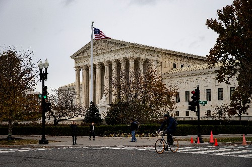 U.S. high court rebuffs Hawaii B&B that turned away lesbian couple