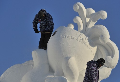Prepping for the Harbin Snow and Ice Festival: Pictures