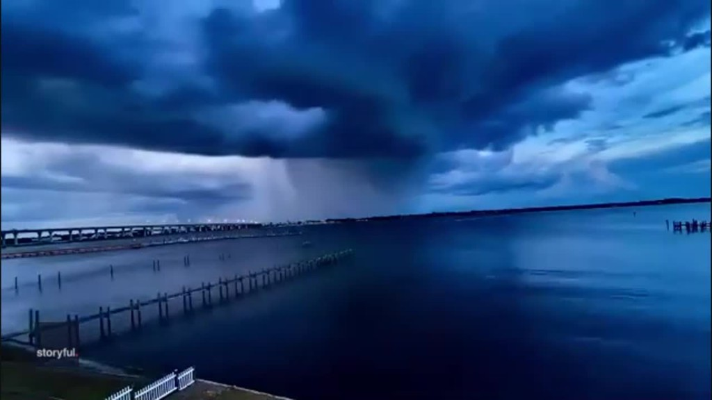 Timelapse Shows Beautiful Blue Storm Roll Over South Florida