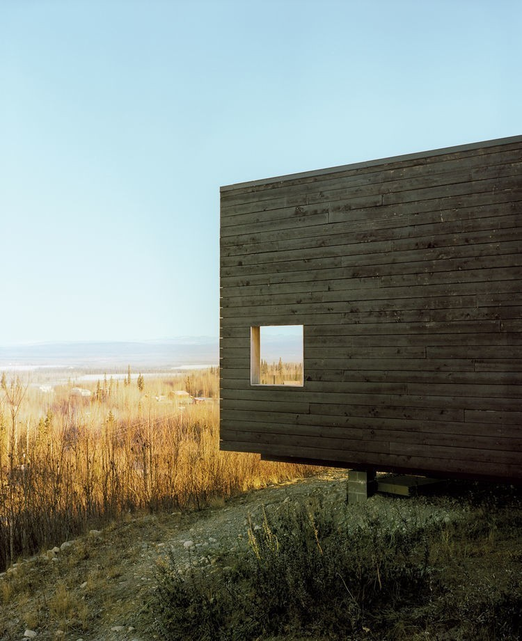 Articles about 8 homes built outdoors on Dwell.com