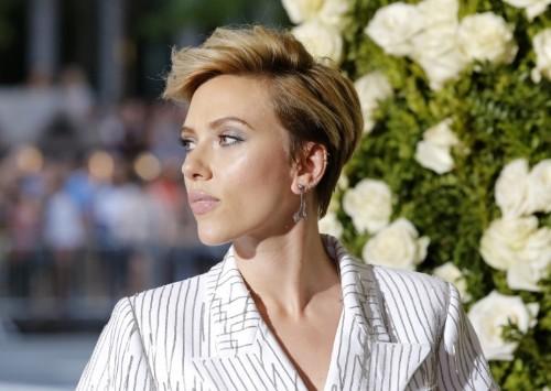 Scarlett Johansson quits transgender role after LGBT backlash