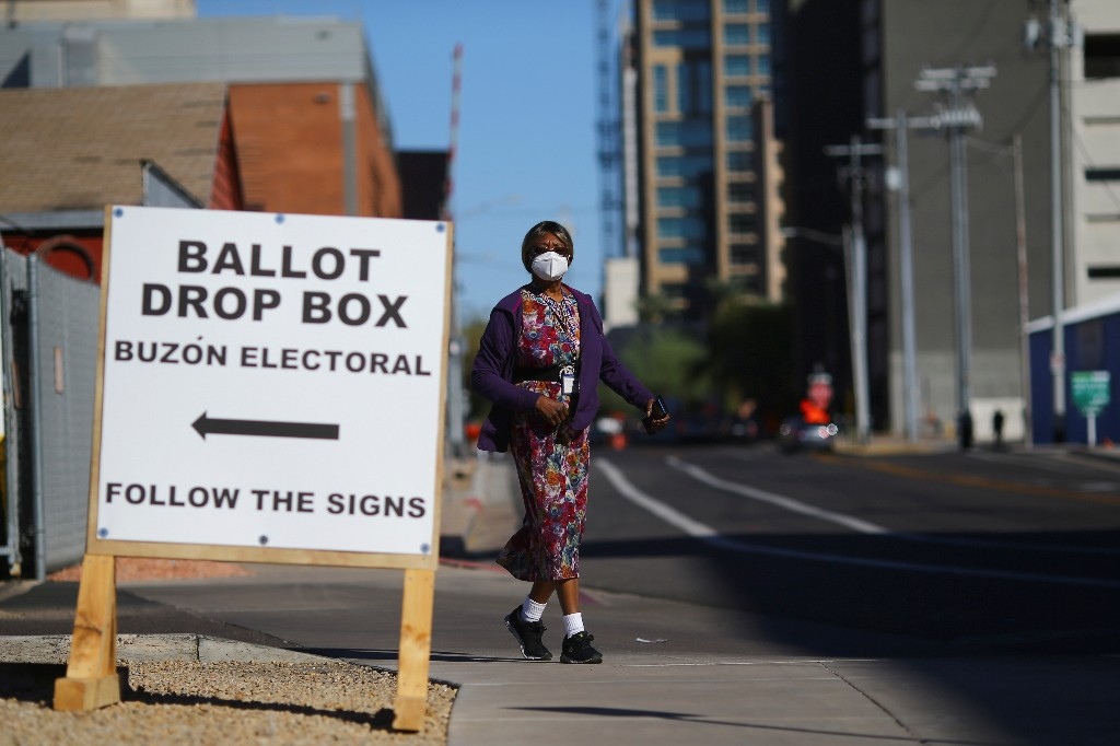 U.S. judge orders 'extraordinary measures' to ensure ballot deliveries