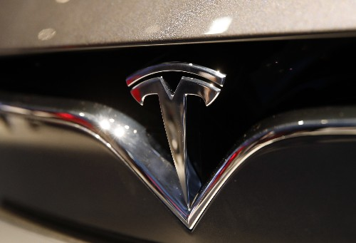 Tesla gears up for fully self-driving cars amid skepticism