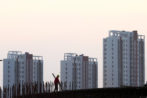 China's economy still faces pressure, policy steps starting to help: statistics bureau