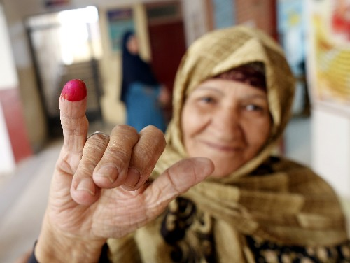 Voters offered rides, food in Egypt referendum on el-Sissi
