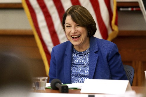 Klobuchar tries to debate spotlight into lasting momentum
