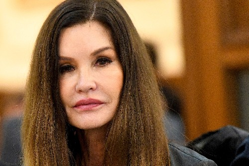 Actor Janice Dickinson's defamation suit against Bill Cosby settled by insurer