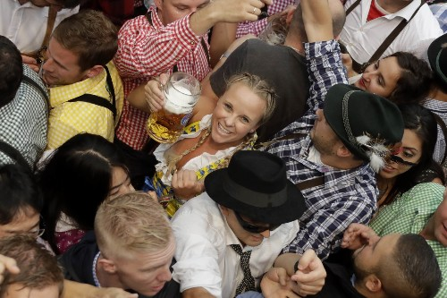 Opening Day of Oktoberfest: Pictures