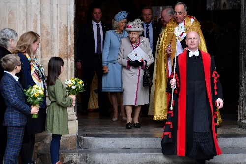UK queen attends service for Westminster Abbey's 750th anniversary