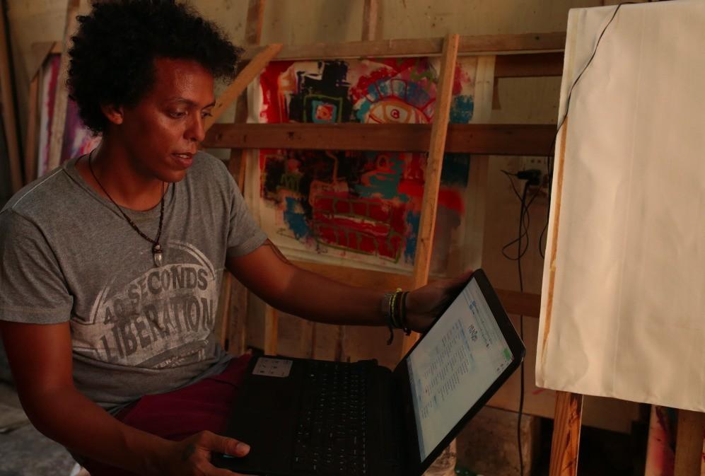 Cuba's Black Market Is a Website That Exists Primarily Offline