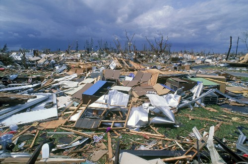 Responding to disaster with IoT and SDN mesh