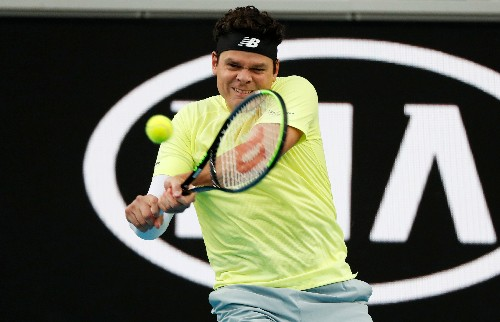 Raonic stays boring to knock out Tsitsipas in straight sets