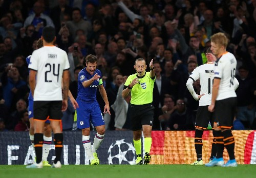 Barkley misses penalty in Chelsea home defeat to Valencia