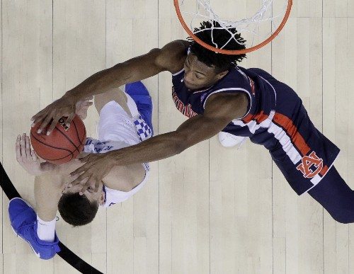 Top Pictures from the March Madness Regionals