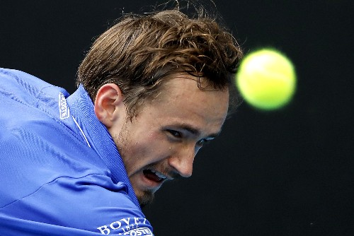 Medvedev crashes out in Rotterdam, Monfils eases through