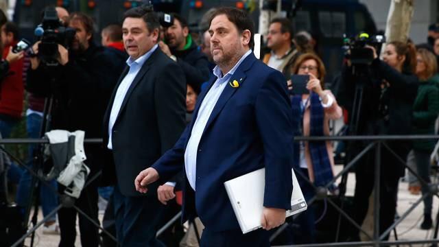 """La Fiscalía considera que Puigdemont, Junqueras, Forcadell y otros 17 políticos alentaron """"un movimiento de insurrección"""""""