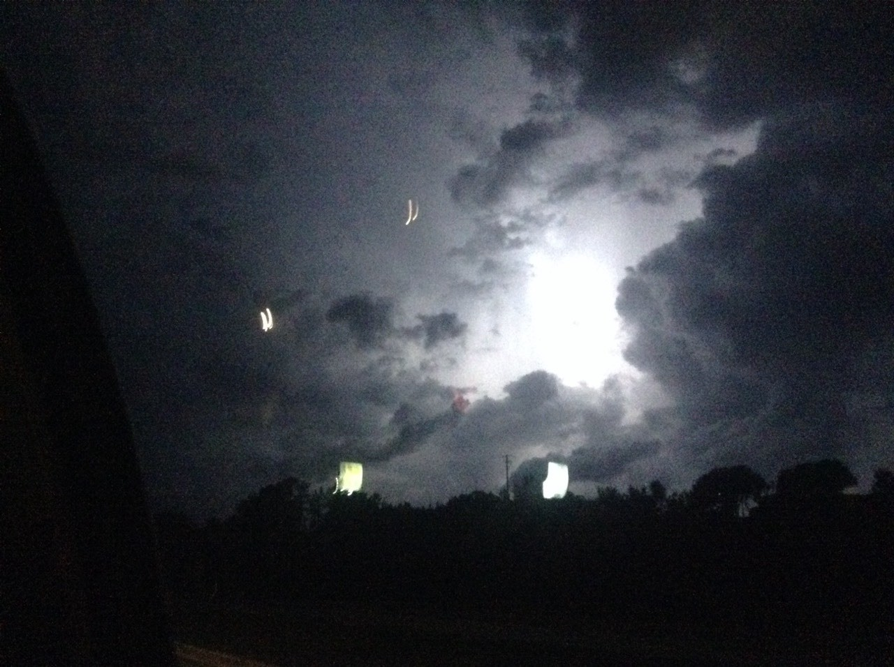 Here is a cool lightning pic taken in Coumbia Sc.