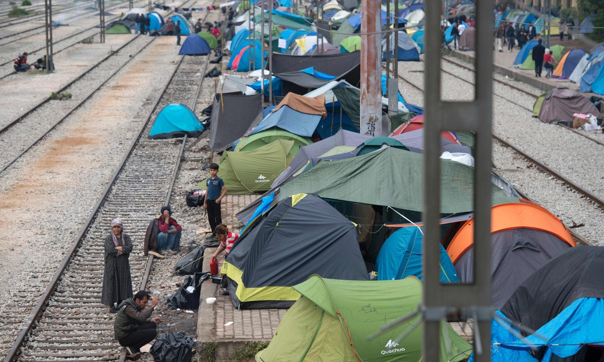 EU refugee crisis: closed-door countries could be asked to help cover costs