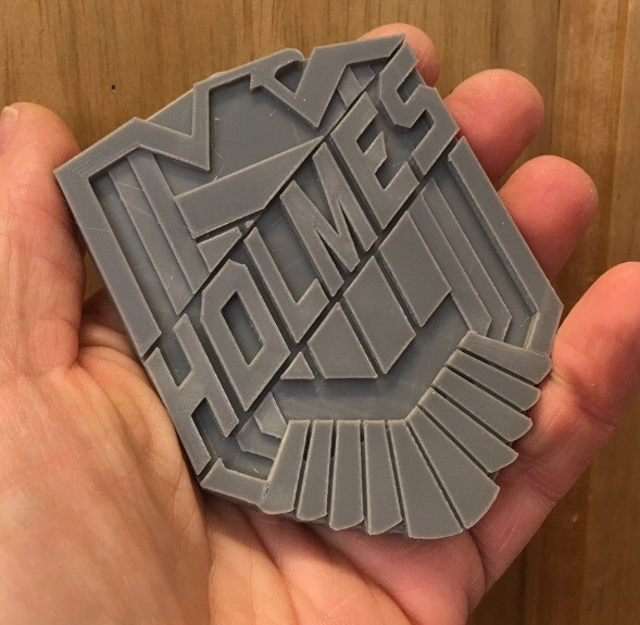 Changed filament and the results are great in our custom #judge #dredd badges for Male/Female versions. Zoom IN !!