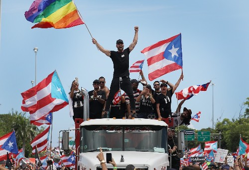 Massive Protest in Puerto Rico: Pictures