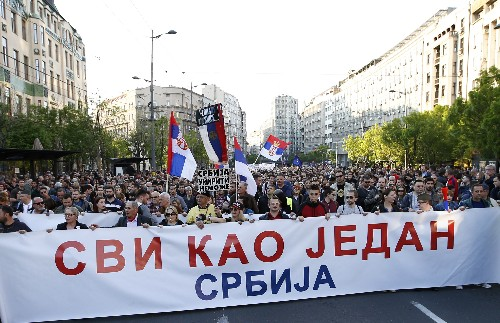 Anti-govt protests resume against Serbia's populist leader