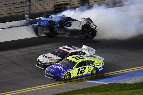 Anatomy of a Car Crash at Daytona: Pictures