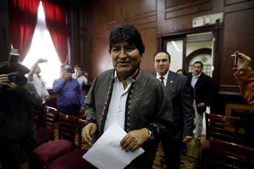 Bolivia's Morales arrives in Argentina, to get refugee status