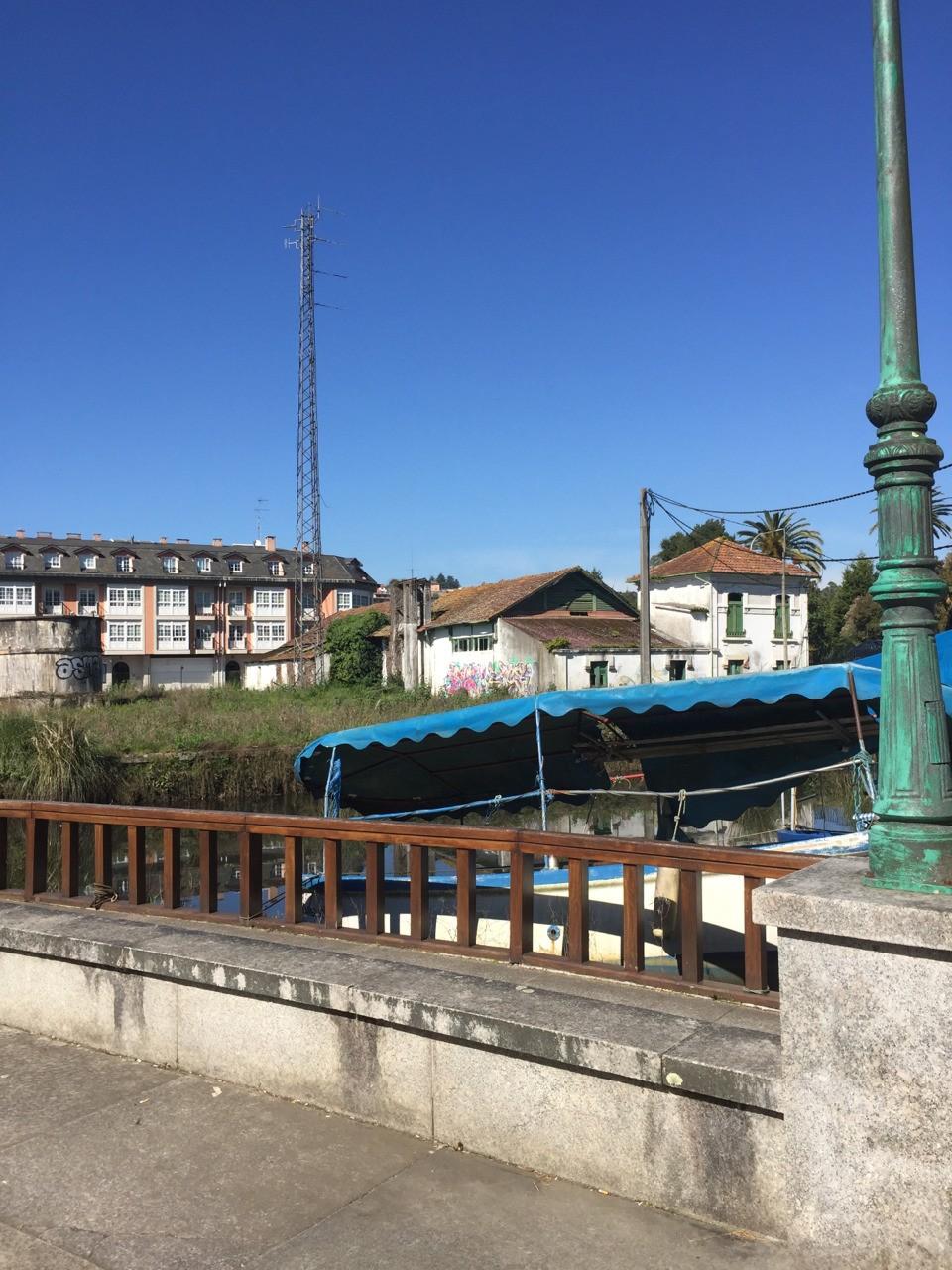Array de antenas yagi enfasadas en Fábrica da Electricidade. Betanzos, A Coruña.