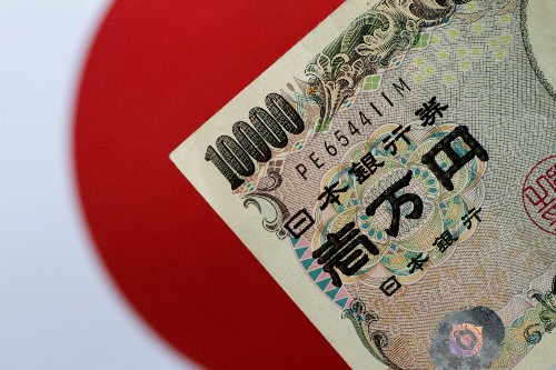 Japan signals it will act to curb any excessive yen rises