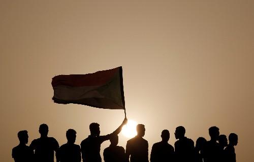 Protesters converge on Sudan defense ministry to demand civilian rule