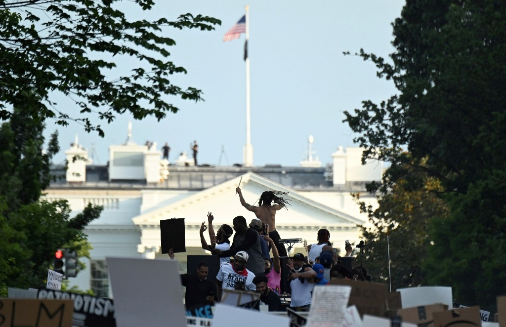 D.C. mayor has 'Black Lives Matter' painted on street near White House