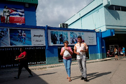 Cuba takes another swipe at dual currency system