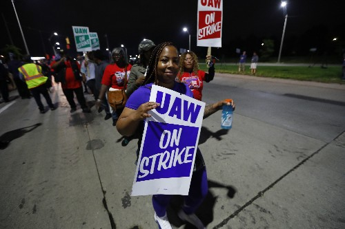 The Latest: UAW says GM should have made latest offer sooner
