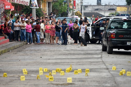 Reporter shot and killed in Mexican tourist resort